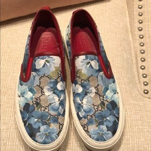 Gucci bloom pattern sneaker slip on